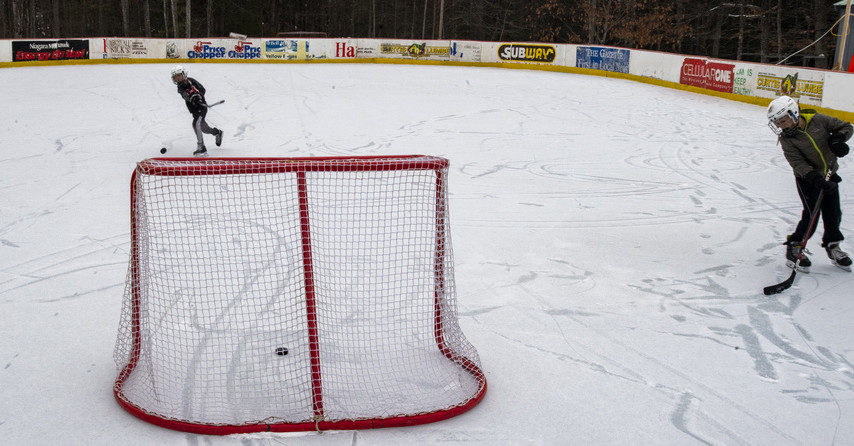 Northville man's backyard ice rink has its own ice ...