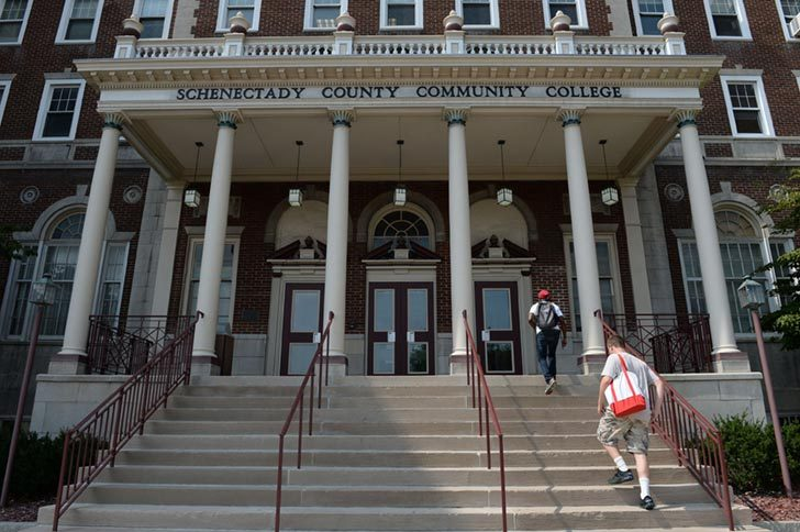 Students arrive for the first day of classes for the 2015 fall semester at Schenectady Community College on Thursday, September 3, 2015.