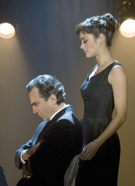 "Daniel Day-Lewis and Marion Cotillard star in ""Nine."""