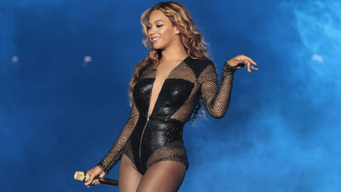 Beyonce performs in 2014 at the Rose Bowl in Pasadena (Los Angeles Times)