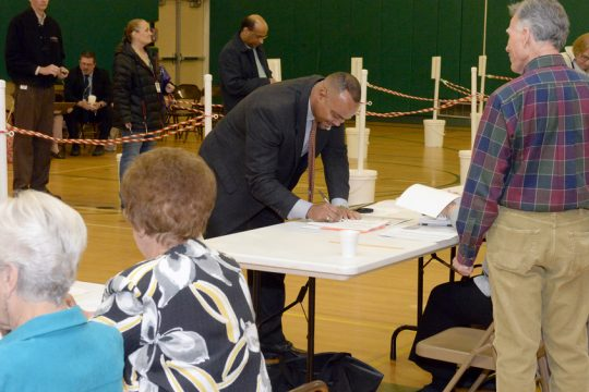 Residents of the Shenendehowa school district overwhelmingly voted against a proposal for the district to sell 34.3 acres.