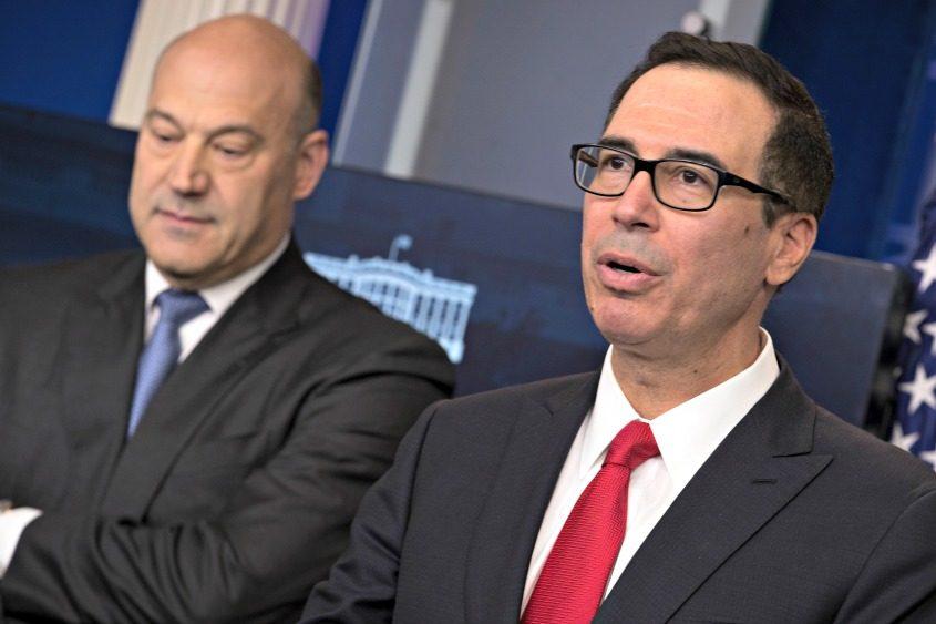 Treasury Secretary Steven Mnuchin (right) and Gary Cohn, chief economic adviser to President Donald Trump.