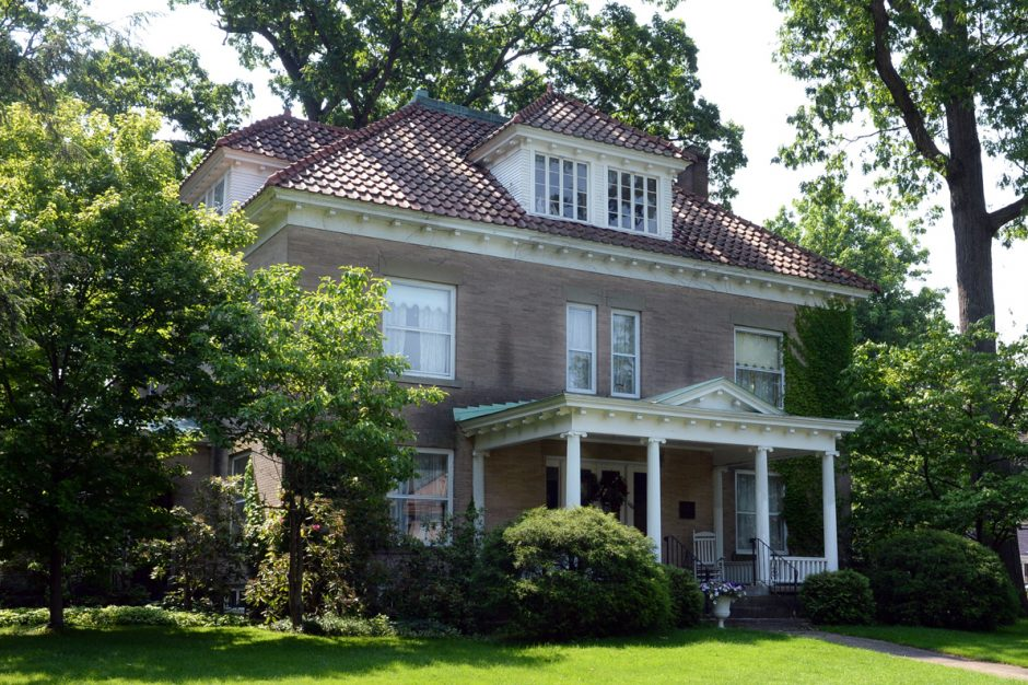 1176 Stratford Road in the GE Realty Plot was once the home of Nobel Prize winner Irving Langmuir.