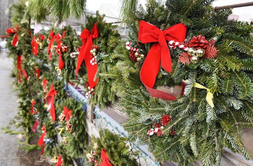 Holiday Wreath Choices Are Endless The Daily Gazette