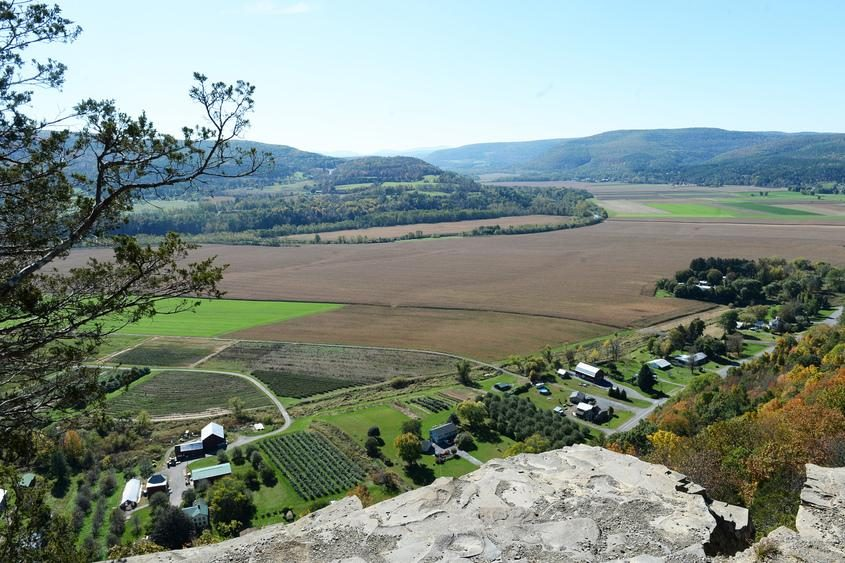 Atop Vroman's Nose, looking south.