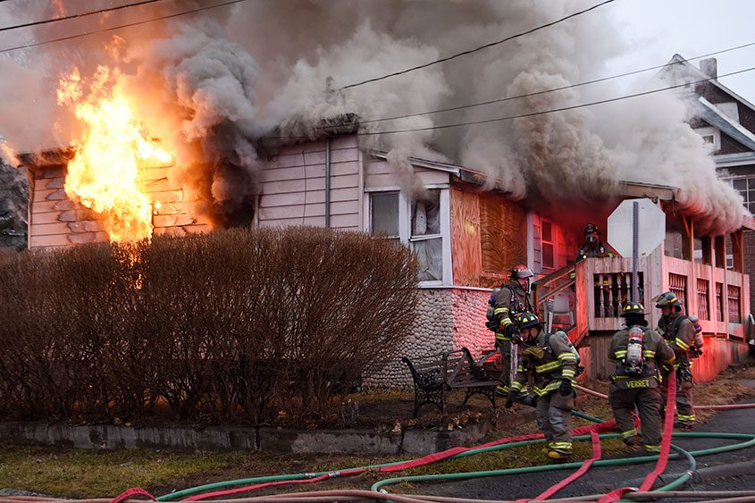 A fire broke out a 945 Glendale Place, Schenectady Wednesday morning.