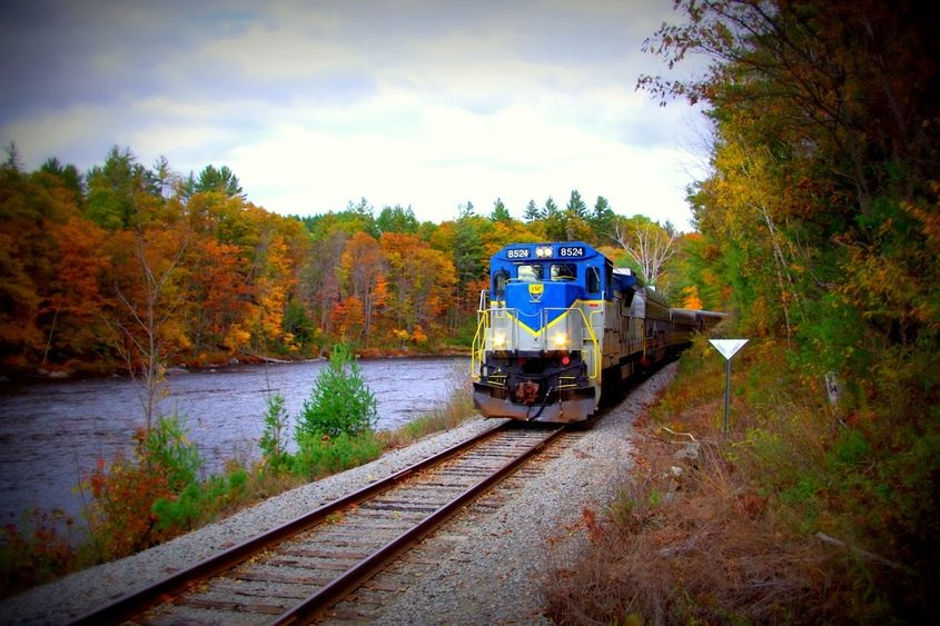 The North Creek Railroad offers foliage tours along the Hudson River.