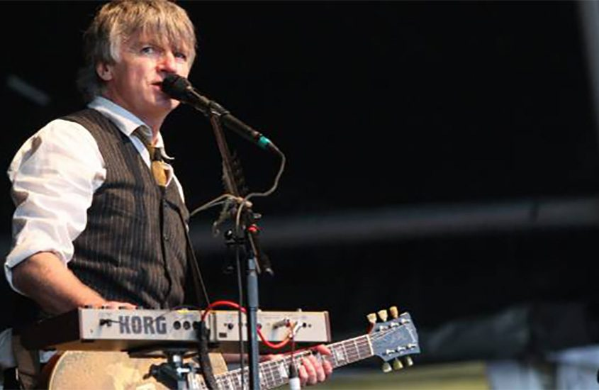 Singer-songwriter Neil Finn, of the band Crowded House, will join Fleetwood Mac on tour.