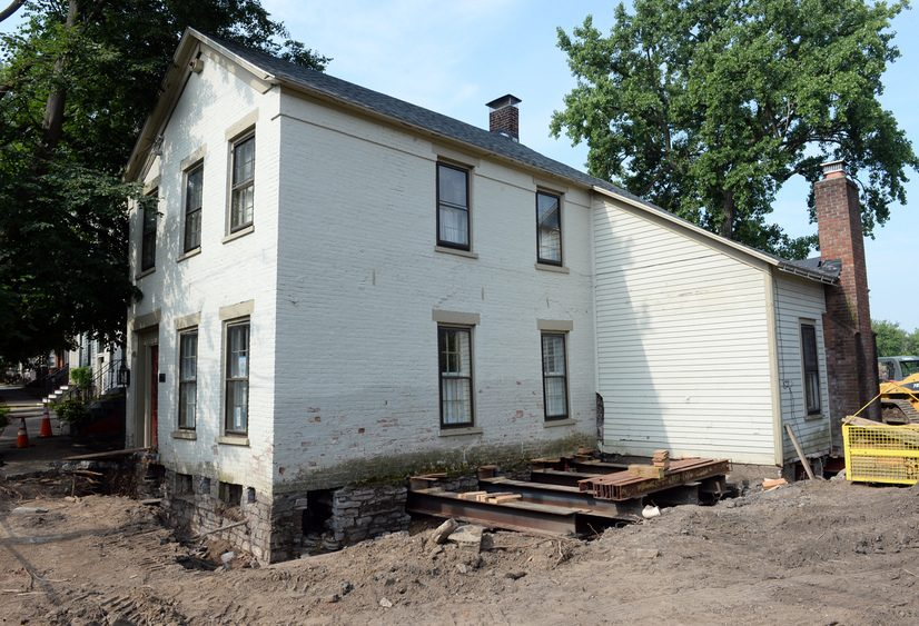4 Washington Ave. in the Stockade is being moved from the flood in 2017.