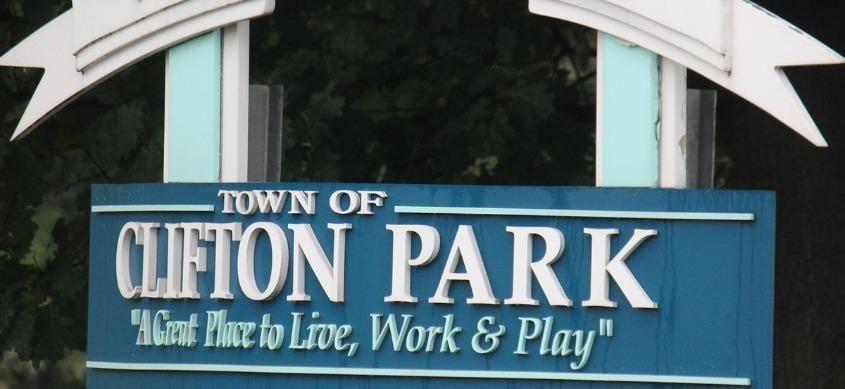 CliftonParkTownSign.jpg