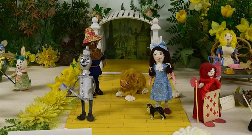 """This scene from the """"Wizard of Oz"""" is one of many at the Schoharie Easter Egg Museum."""