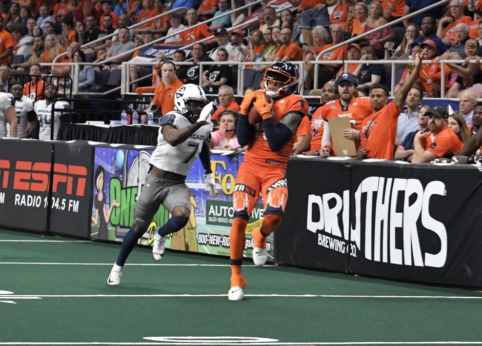 The Albany Empire dropped a 42-41 Arena Football League decision to the Baltimore Brigade on Saturday.