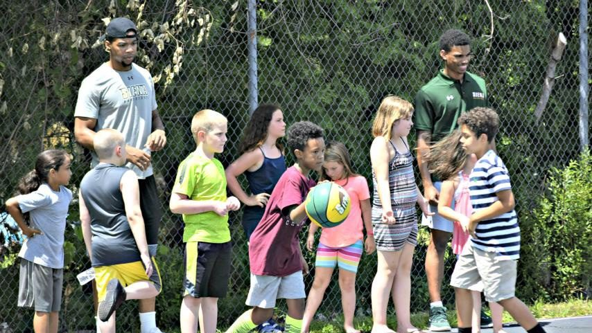 The Siena men's basketball program conducted an event for kids in Halfmoon.