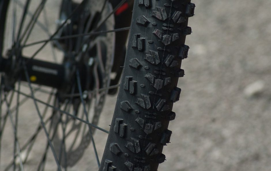 mountain-biking-1437534_1280.jpg