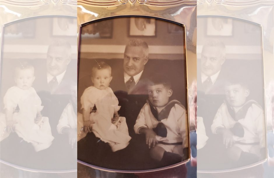 Gerardus Smith with grandsons John and David Hume.