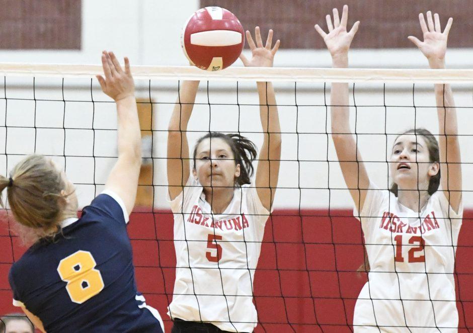 Niskayuna swept Averill Park in a Suburban Council girls' volleyball match Thursday.