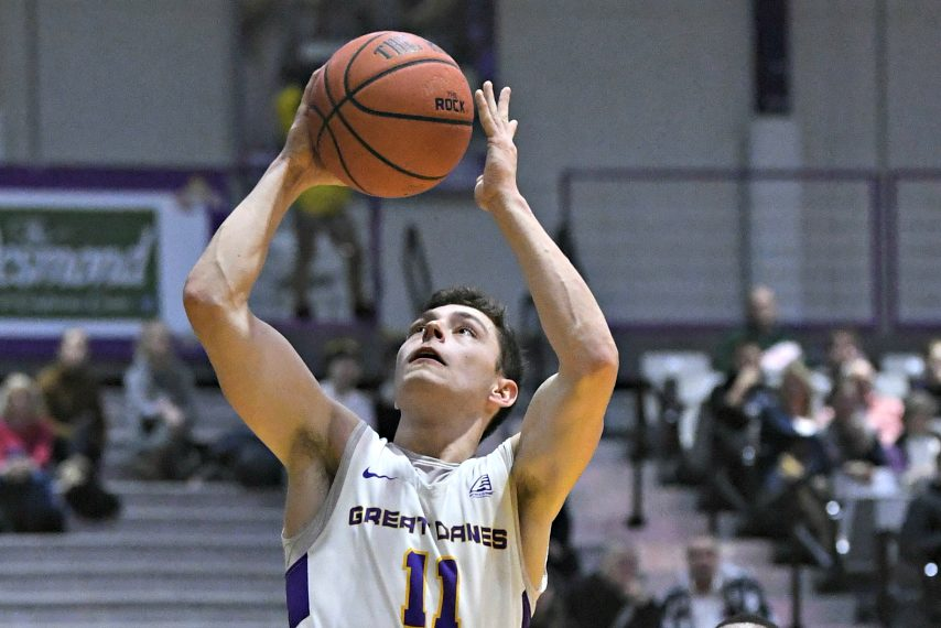 Cameron Healy goes up for a layup during last Wednesday's game.