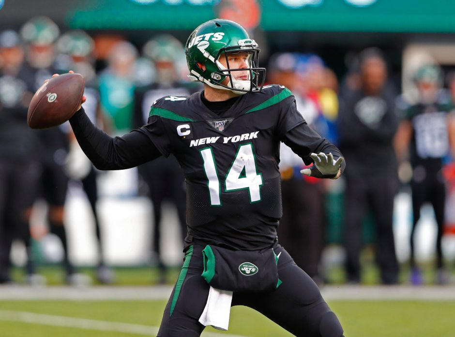 Sam Darnold and the New York Jets face the Baltimore Ravens in the final Thursday night game of the season.