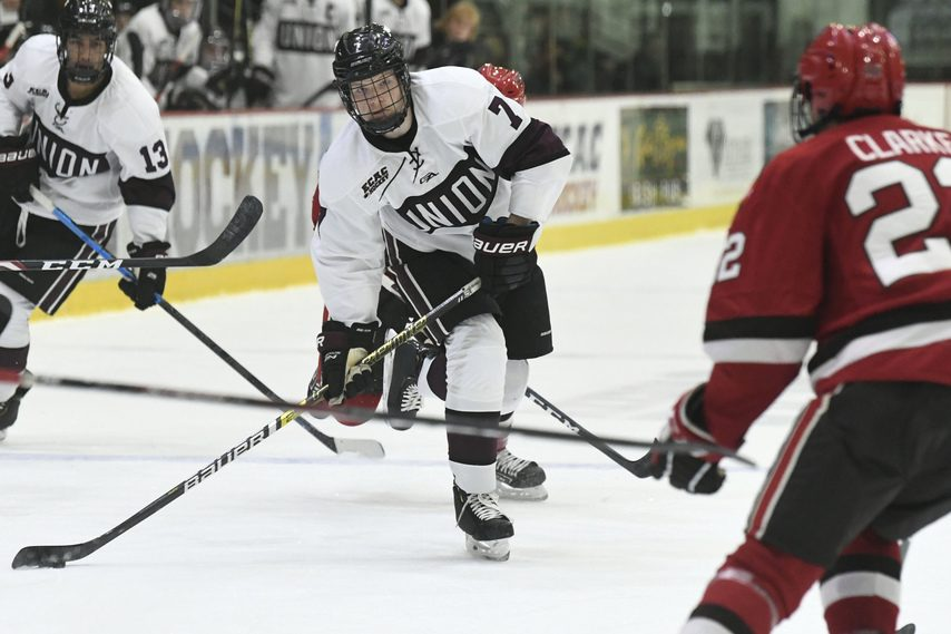 Union's Brandon Estes (7) takes a shot against St. Lawrence on Nov. 9.