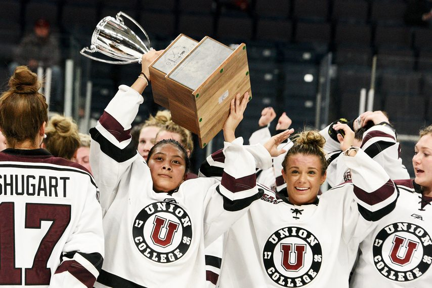 The Union women's hockey team celebrates their first Mayor's Cup victory.