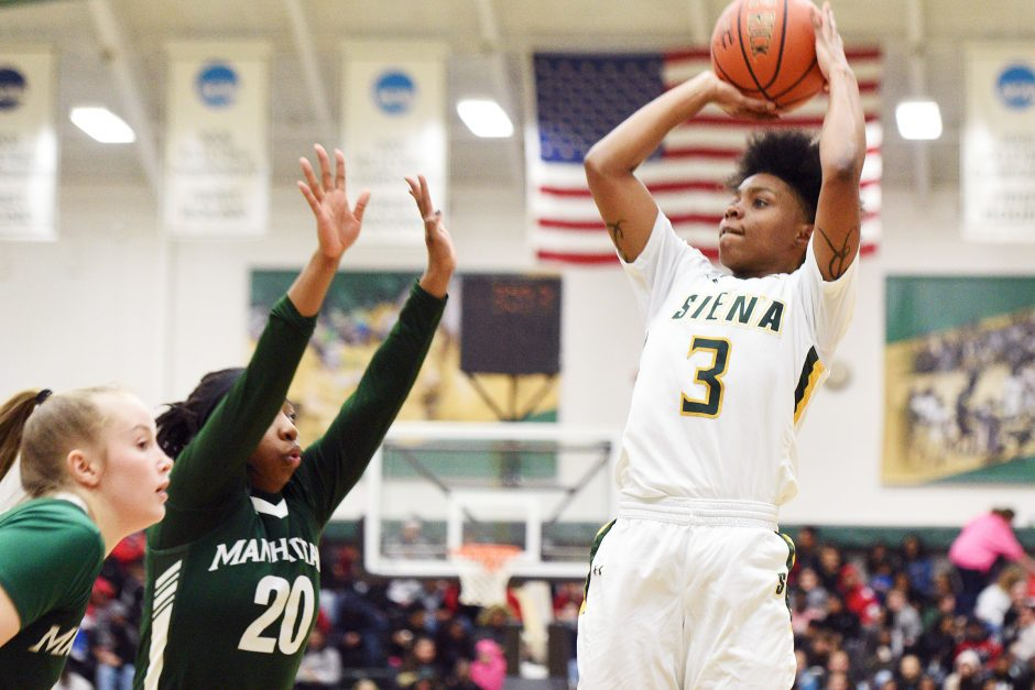 Rayshel Brown scored 18 points as Siena won its fifth straight game on Saturday.