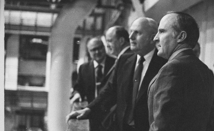 Jack Welch, right, is shown touring Building 273 at General Electric's Schenectady/Rotterdam campus