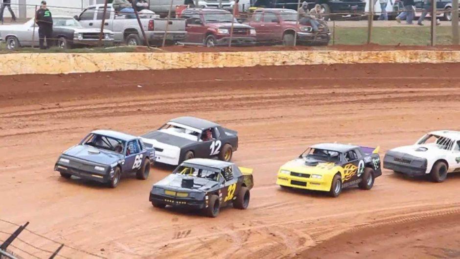 Dirt-Stock-Car-Photo.jpg