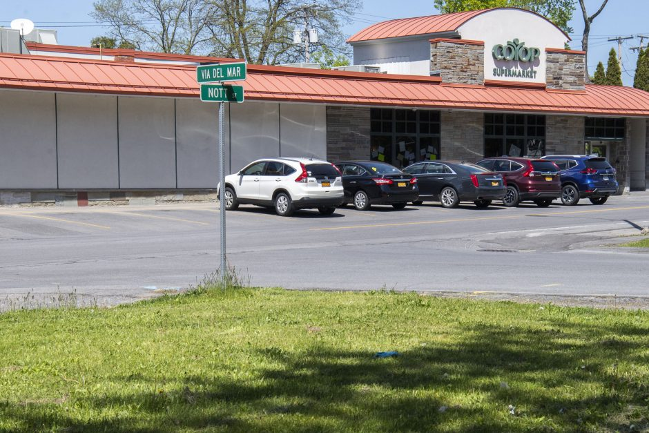 The intersection of Nott Street and Via Del Mar in Niskayuna Friday, May 22, 2020.