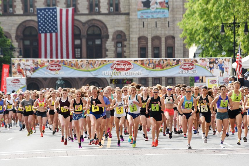 Runners leave the starting line at the 2019 Freihofer's 5k Run for Women in Albany.