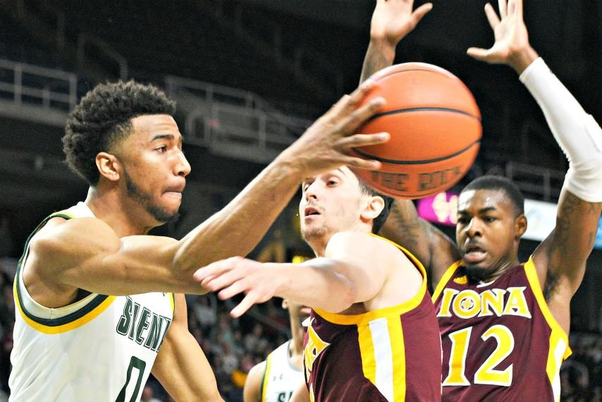 Siena guard Don Carey is transferring to Georgetown.