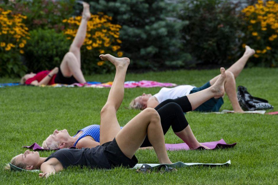 081220-yoga-03.jpg