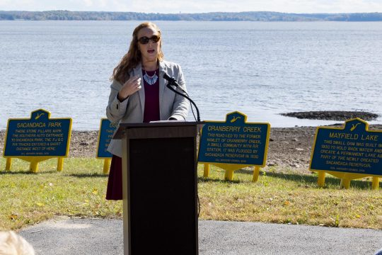100120-markers_at_lake.jpg