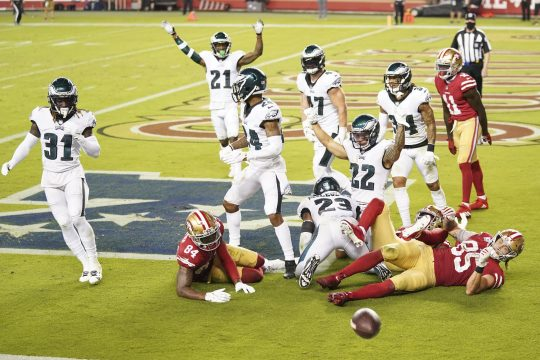 Kyle Terada/USA TODAY SportsPhiladelphia Eagles players celebrate after an incomplete pass by the San Francisco 49ers at the end of last Sunday's game at Levi's Stadium.