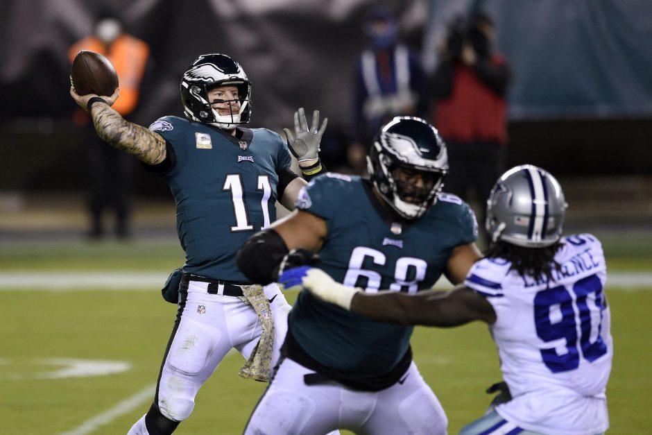 Derik Hamilton/The Associated PressPhiladelphia Eagles' Carson Wentz passes during the second half of Sunday's game against the Dallas Cowboys at Lincoln Financial Field.