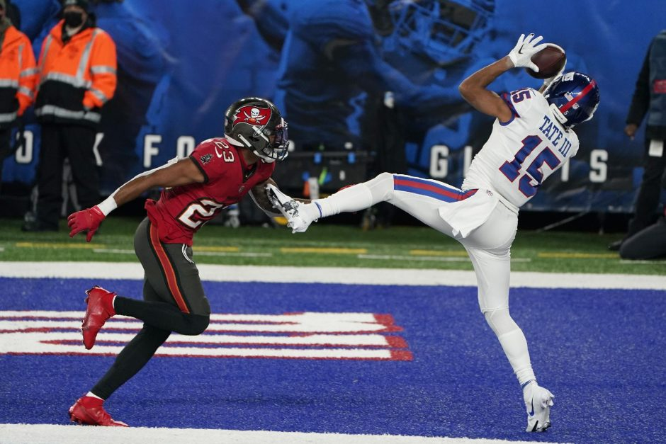 Corey Sipkin/The Associated PresNew York Giants wide receiver Golden Tate catches a touchdown in front of Tampa Bay Buccaneers' Sean Murphy-Bunting during Monday's game at MetLife Stadium.