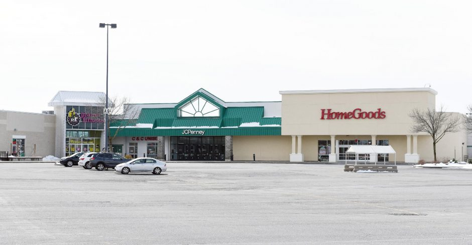 ERICA MILLER/STAFF PHOTOGRAPHER The Wilton Mall parking lot entrance off Route 50is pictured on March 25.