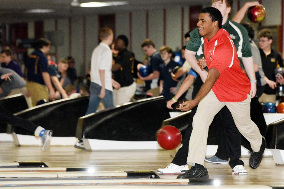 ERICA MILLER/STAFF PHOTOGRAPHER Seven Terry of Schenectady High School warms up before the start of last season's Schenectady Invitational at Boulevard Bowl.