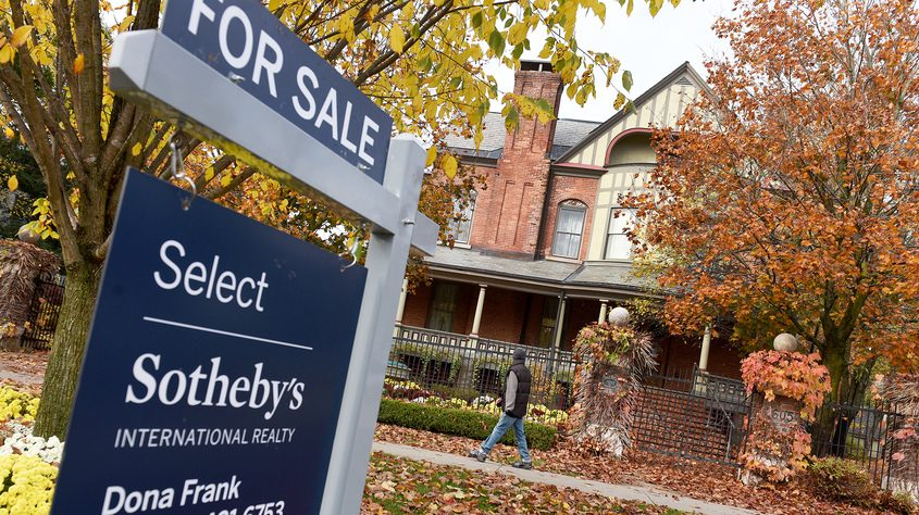 A home for sale in Saratoga Springs in October