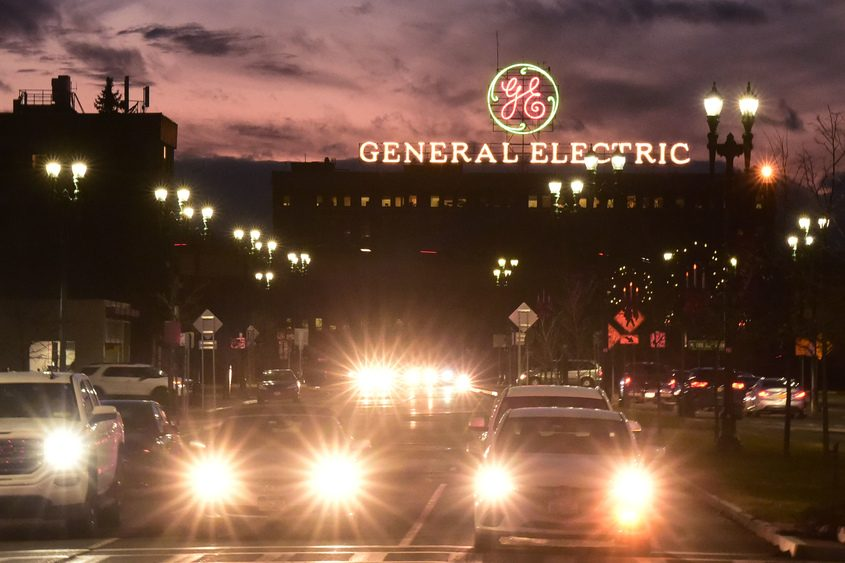 PETER R. BARBER/GAZETTE PHOTOGRAPHERThe iconic General Electric sign towersabove Erie Boulevard in Schenectadyin late 2018.