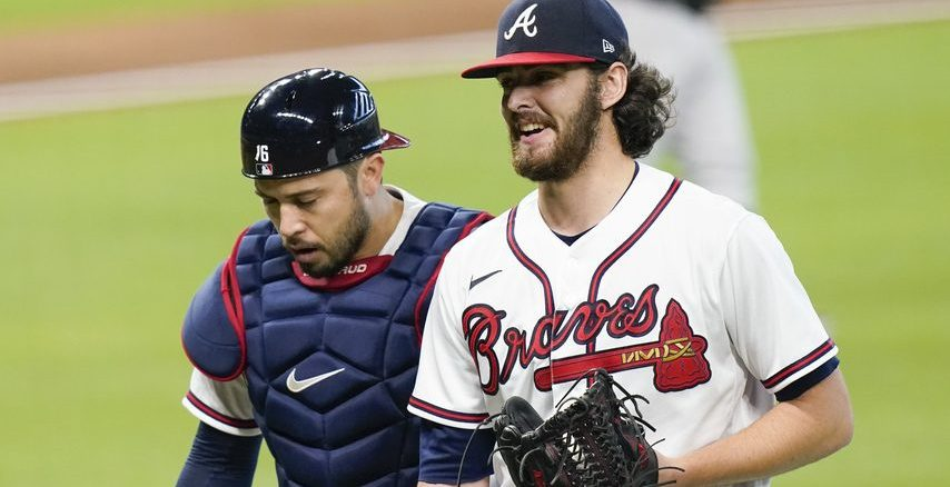 Atlanta Braves pitcher Ian Anderson, right, and catcher Travis d'Arnaud in October. ERIC GAY/THE ASSOCIATED PRESS