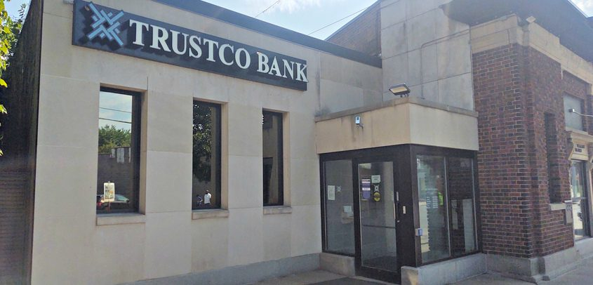 STAN HUDY/THE DAILY GAZETTEThe exterior of the TrustCo Bank location at 959 Crane St. in Schenectady is shown Aug. 24, 2020.