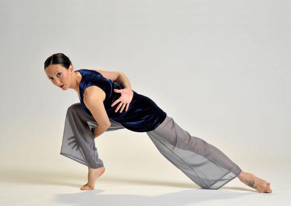 Sara Senecal of the Ellen Sinopoli Dance Company. (Gary Gold)