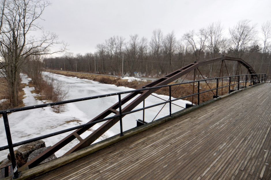 The Whipple Iron Truss Bridge, with towpath seen at far left, in Vischer's Ferry.