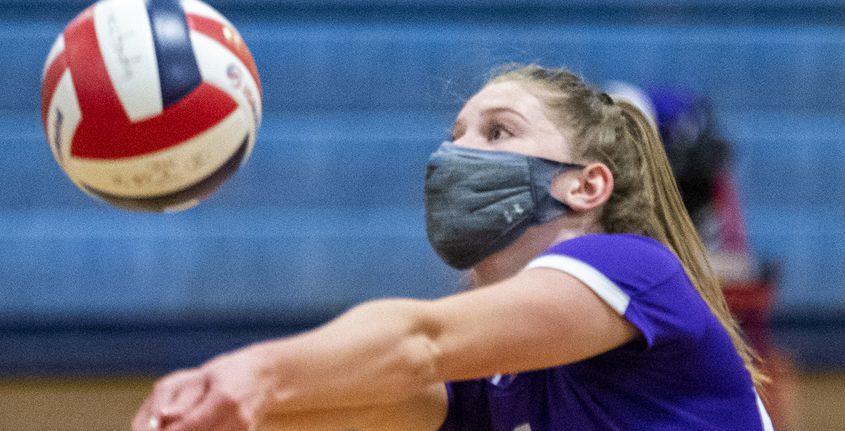 Ballston Spa's Anna Pilkey returns a volley against Schenectady Wednesday