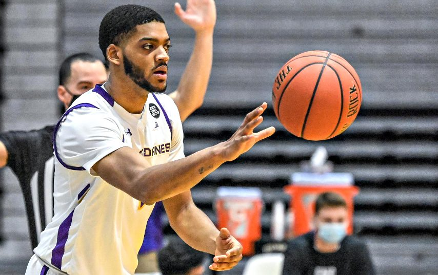 Jarvis Doles is shown during the 2020-21 men's basketball season. (Photo courtesy Bob Mayberger/UAlbany Athletics)