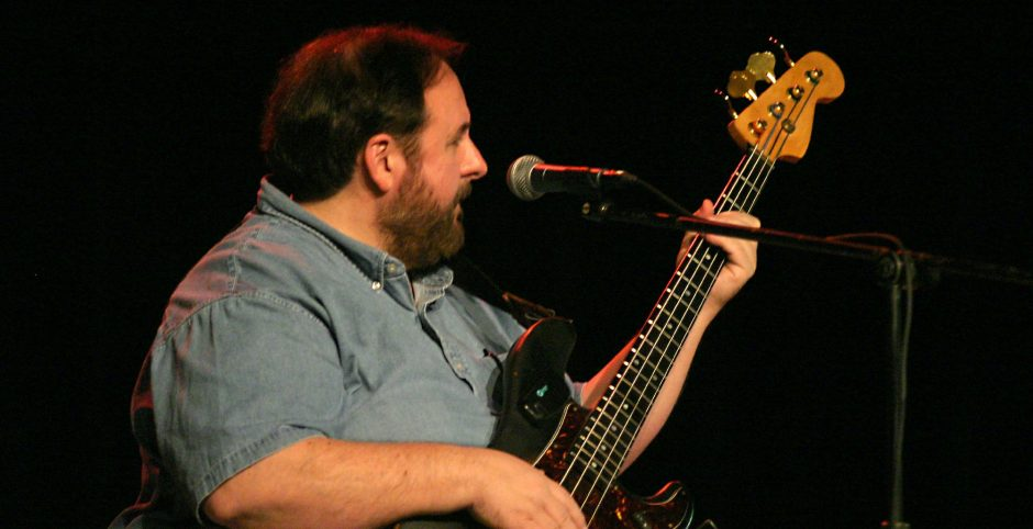 Tony Markellis at the Hurricane Ivan Relief fundraiser at Saratoga Springs Music Hall in November 2004. (Photo by Ed Burke)