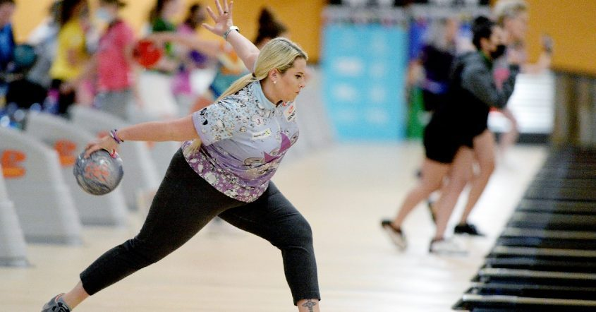 Liz Kuhlkin of Rotterdam advanced to the third round of the PWBA Albany Open at Kingpin's Alley Family Fun Center in South Glens Falls.