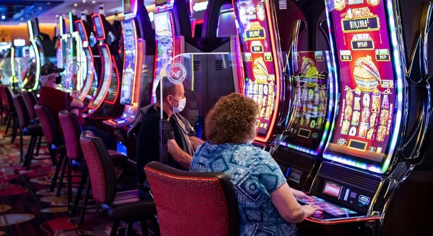 Guests try their luck atRivers Casino in Schenectadyin September 2020.