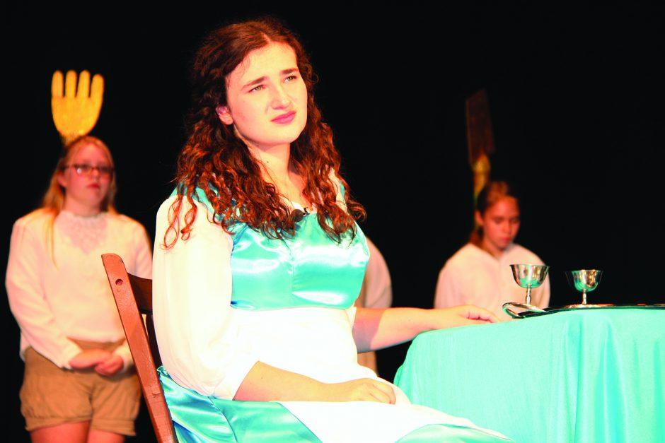 Chiarra Morris as Belle