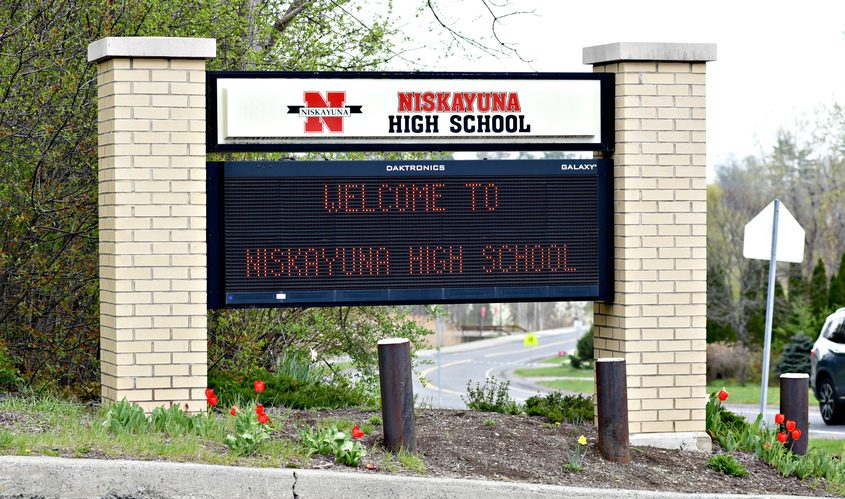 Niskayuna High School will start the day at 8:40 a.m. and end at 3:15 p.m. A statement on the school website said research backs up the idea that the age group does better when starting a bit later in the morning. (Photographer: Stan Hudy)